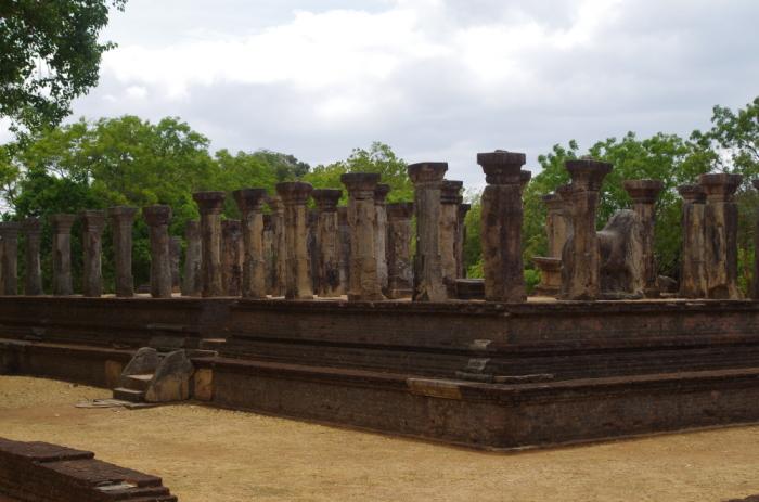 Säulenhalle Polonnaruwa