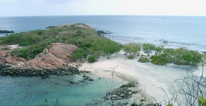Sri Lanka -Trincomalee Pigeon Island