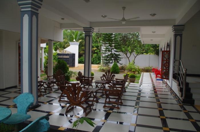 Hotel Peacock Reach, Tissa, Lobby